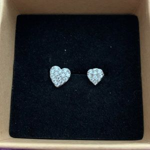 Fragrant Jewels heart earrings NEW